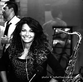 Lisa La Torre - SUPERNOVA ITALY MUSIC - WEDDING MUSIC - MUSICA MATRIMONIO ED EVENTI Italia
