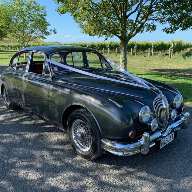 Jaguar Mark II perfect for Wedding Hire