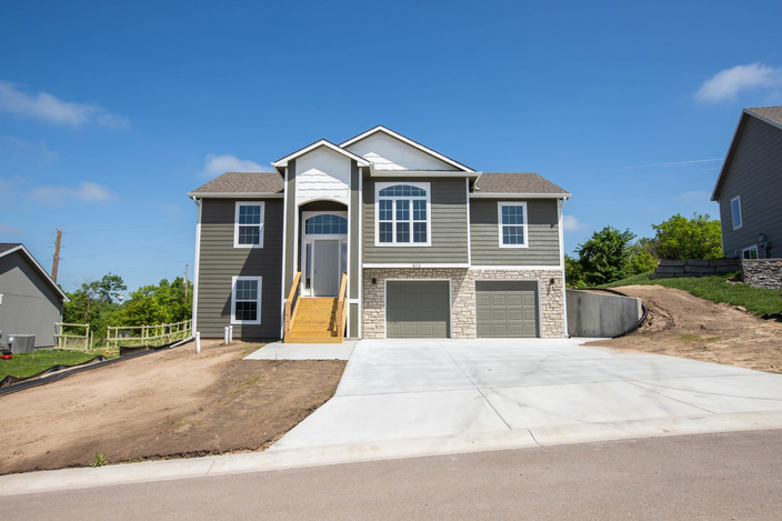 513 Prairie Meadow | St. George, KS