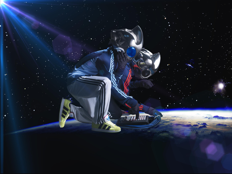 Fake Alien0