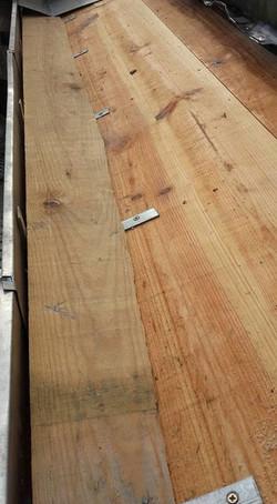 Pose d un lit de cheneau pour donner la pente pour l évacuation des eaux