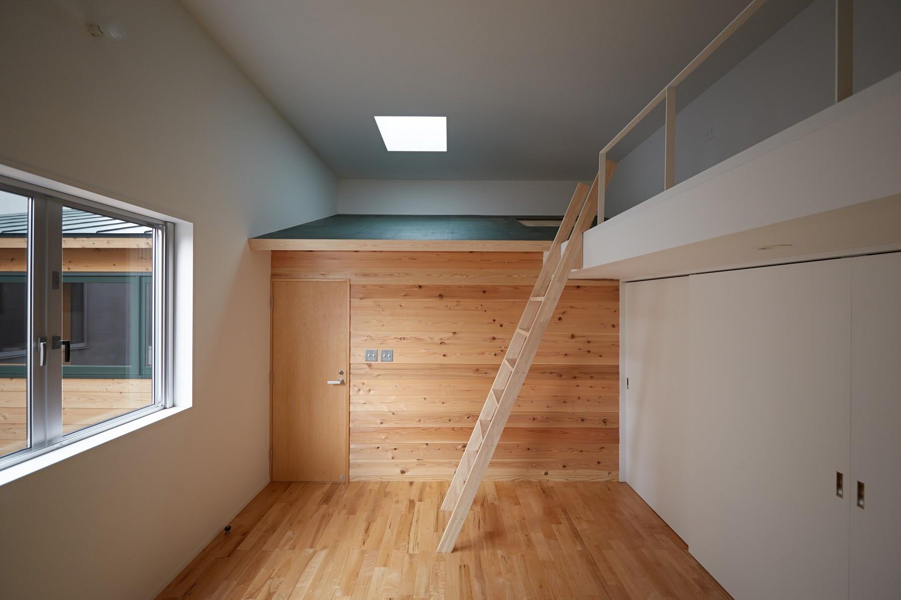 e.room4-1.jpg