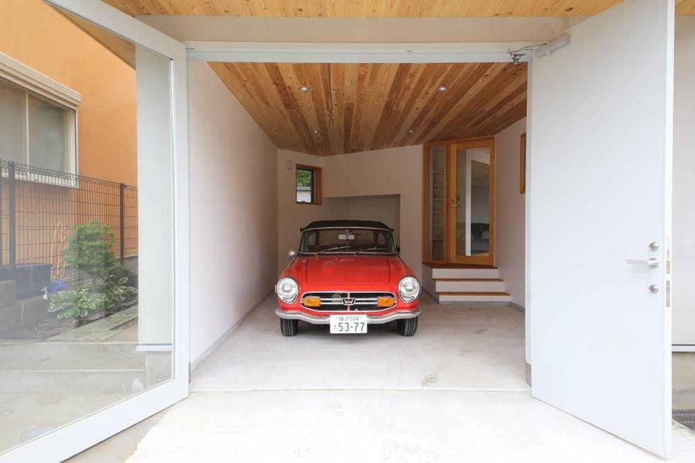 b.garage-1.jpg
