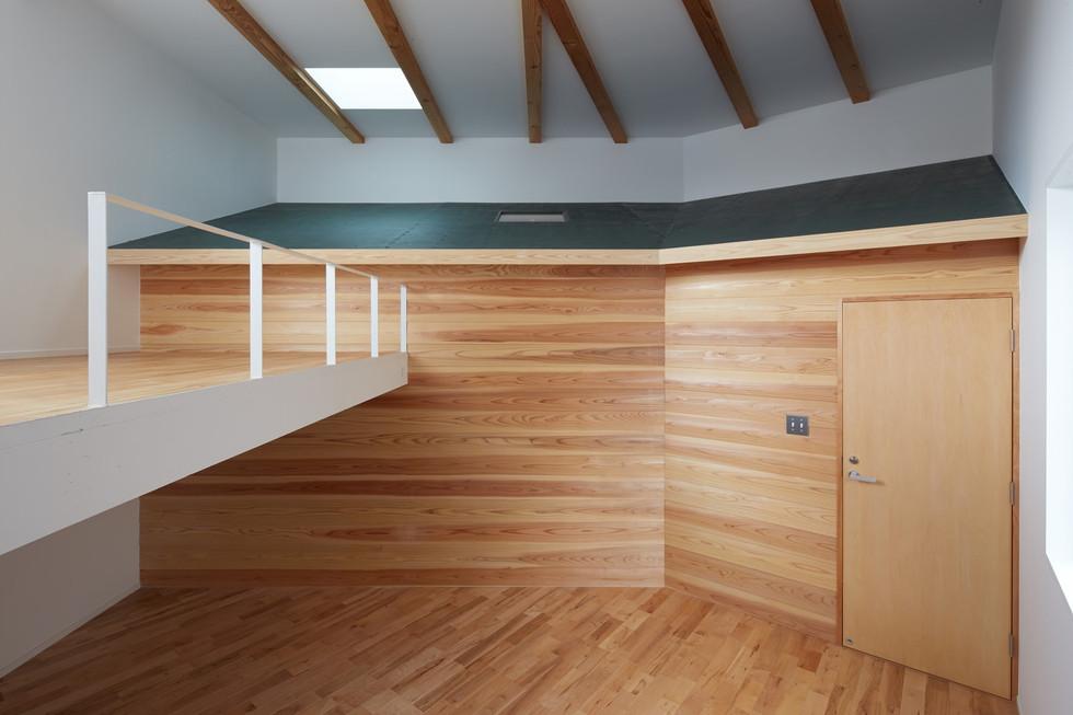 e.room3-1.jpg