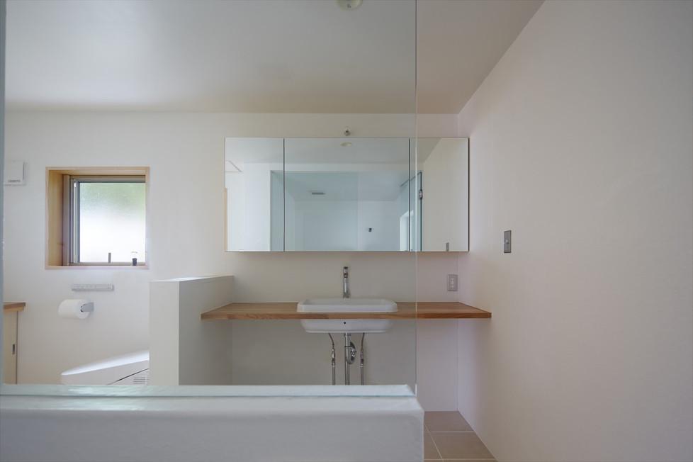 g.restroom-1.jpg