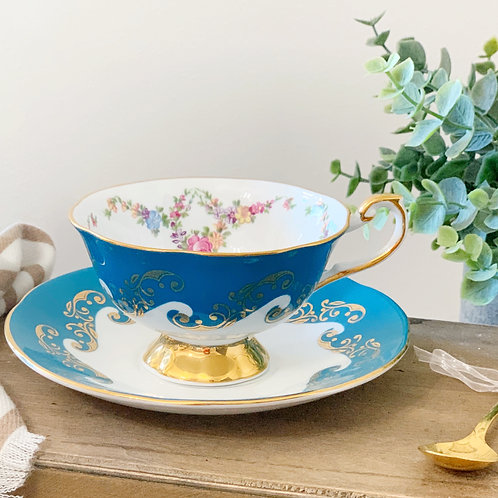 Custom Order: Teacup Candle - Vintage Queens English Fine Bone China
