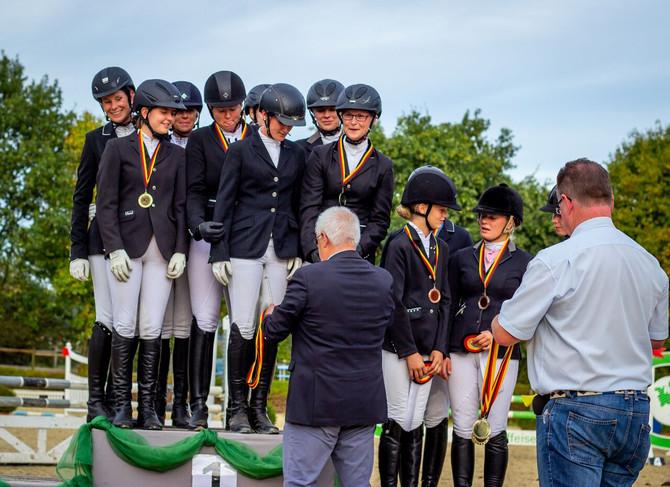 Erfolgreiche Kreismeisterschaften auf der Reitsportanlage Lindlar-Falkenhof