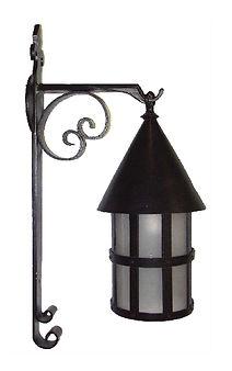 bracket lantern, outdoor lighting, bracket lighting, sconces, college lighting,