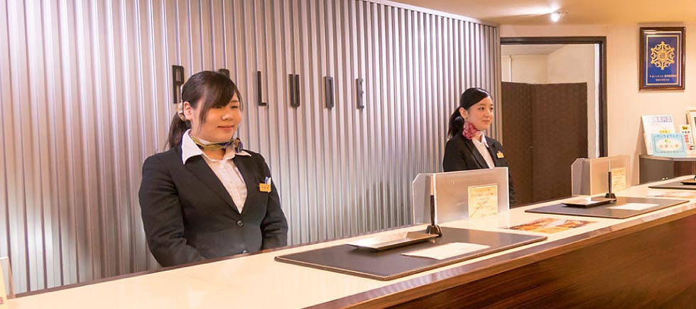 釧路 駅前ホテル JR釧路駅前 ビジネスホテル 格安ホテル パルーデ釧路 フロント