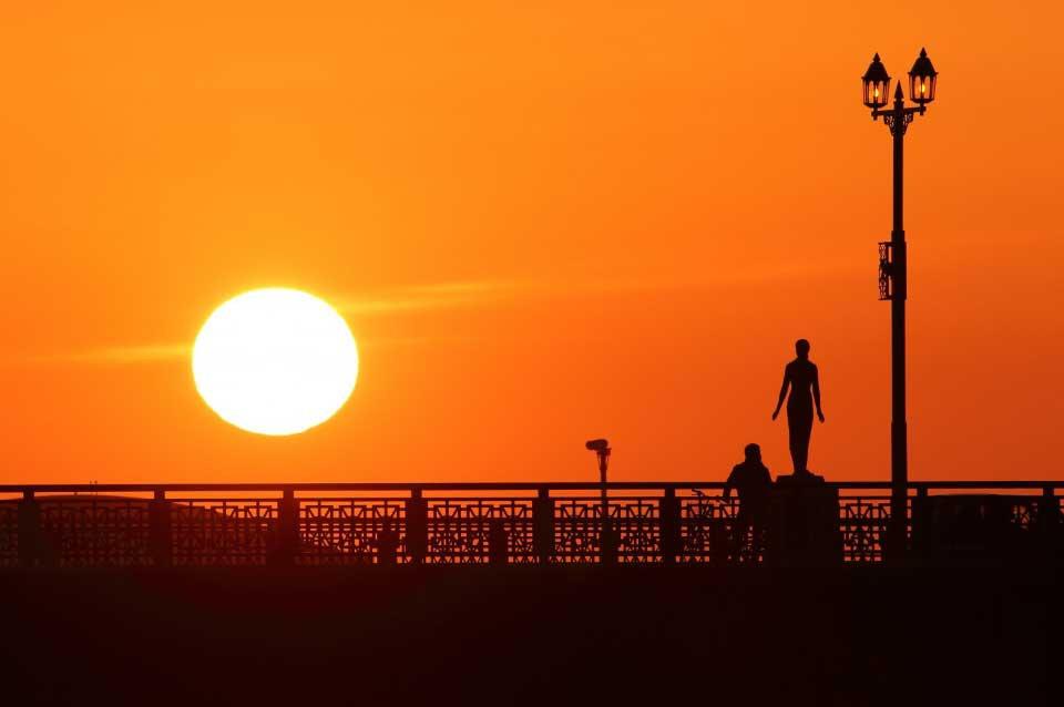釧路 駅前ホテル JR釧路駅前 ビジネスホテル 格安ホテル パルーデ釧路 幣舞橋から望む釧路の夕日