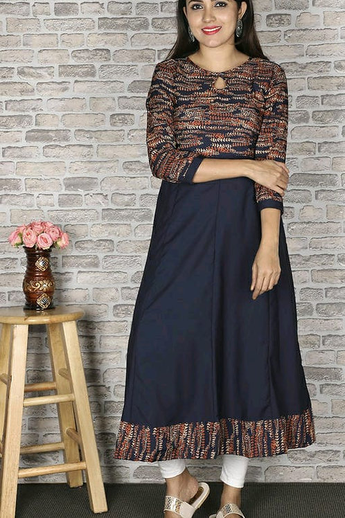 Women Botanical Printed Crepe Kurti