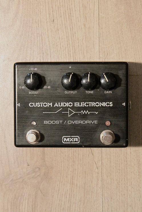 MXR MC402 Custom Audio Boost/Overdrive