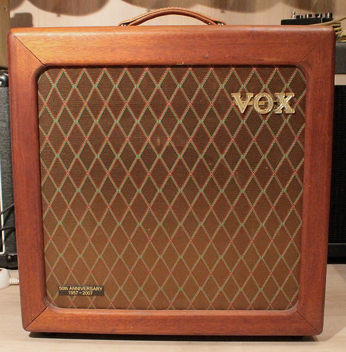 VOX AC15HW Limited Edition 50th Anniversary Mahogany