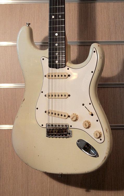 FENDER Stratocaster '69 Relic