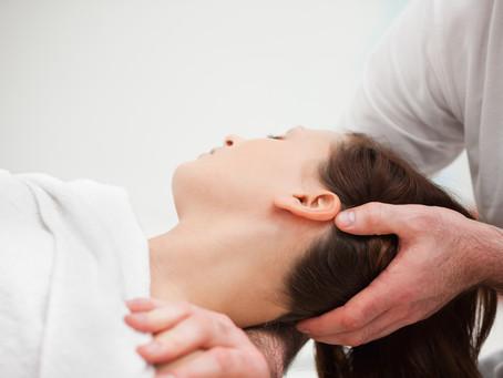 Você tem dor no pescoço? Livre-se da cervicalgia de uma vez por todas!
