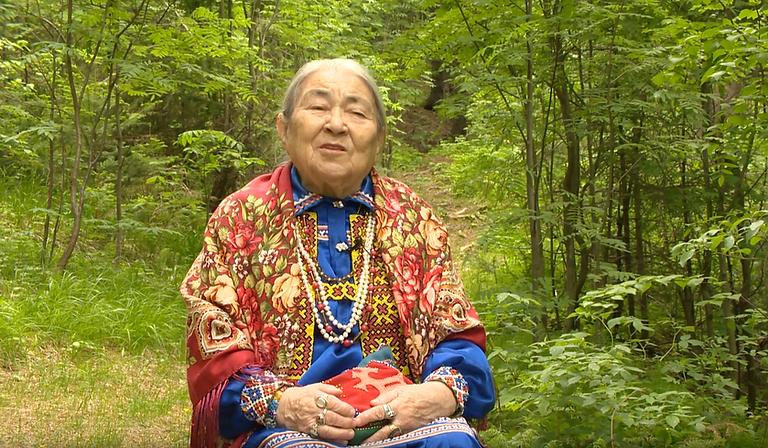 Maria Voldina, sciamana. Intervistata dalla cantante Maria Matveeva