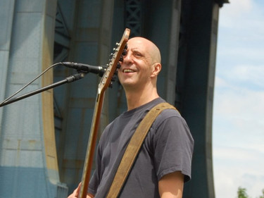 performing at brooklyn bridge park