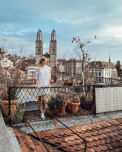 Ich auf Storchen Dach.jpg