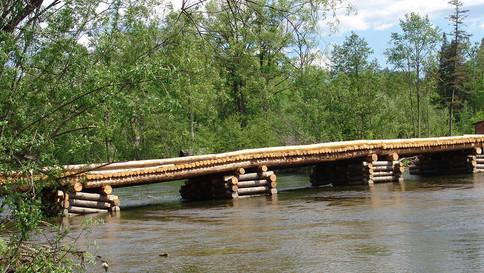 Деревянный мост
