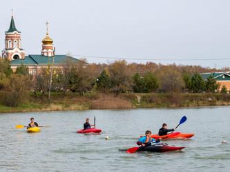 Соревнования по технике водного туризма.