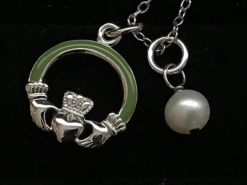 Claddagh with Green Arms and Bead