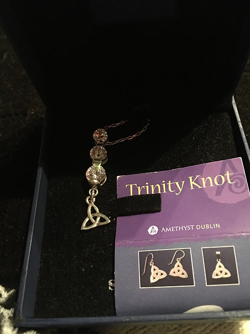 TRINITY Necklace With Large White Stones