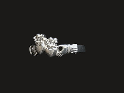 Intertwined Double Heart Claddagh Ring