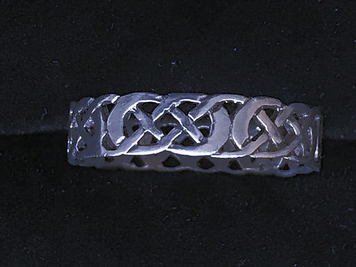 Sterling Silver Celtic Knot Pattern Ring
