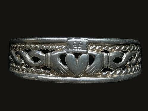 Wishbone Claddagh Ring