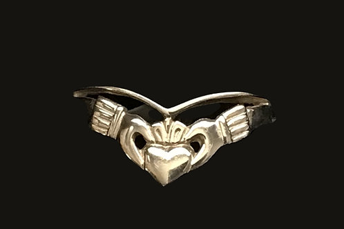 Open Wishbone Design Claddagh 10K Gold Ring