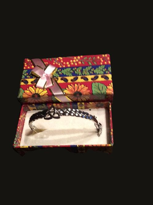 Bracelet with Trinity knot Bangle Silver
