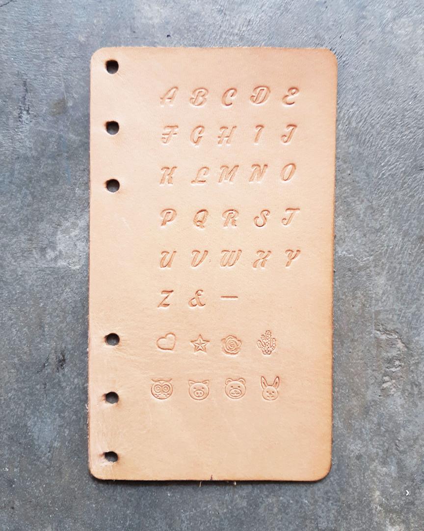 手壓字款C