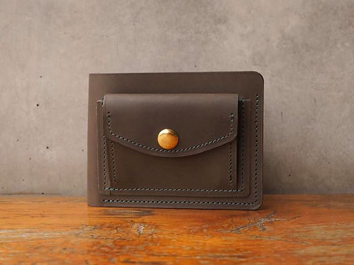 Short Wallet with coin pocket in Olive green
