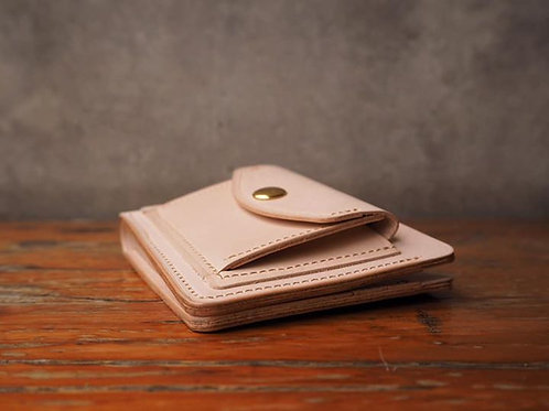 Short Wallet with coin pocket in Natural