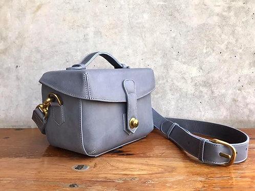 Box Bag in Grey