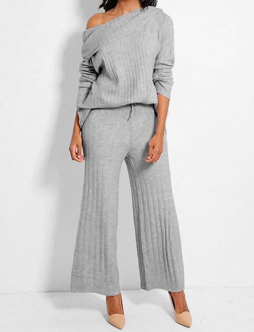 Turtle Neck Pullover Set in Grey