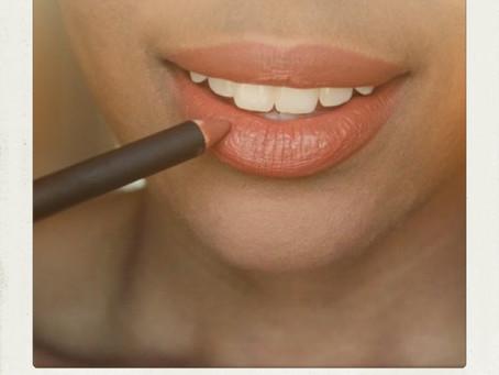 """Will lip liner keep my liquid lipstick from bleeding?"""