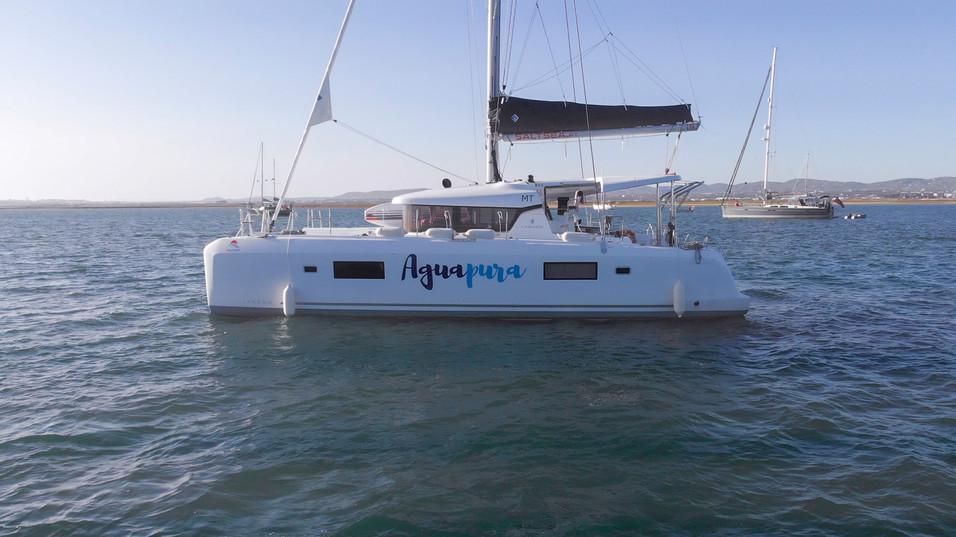 Catamaran Aguapura.jpg