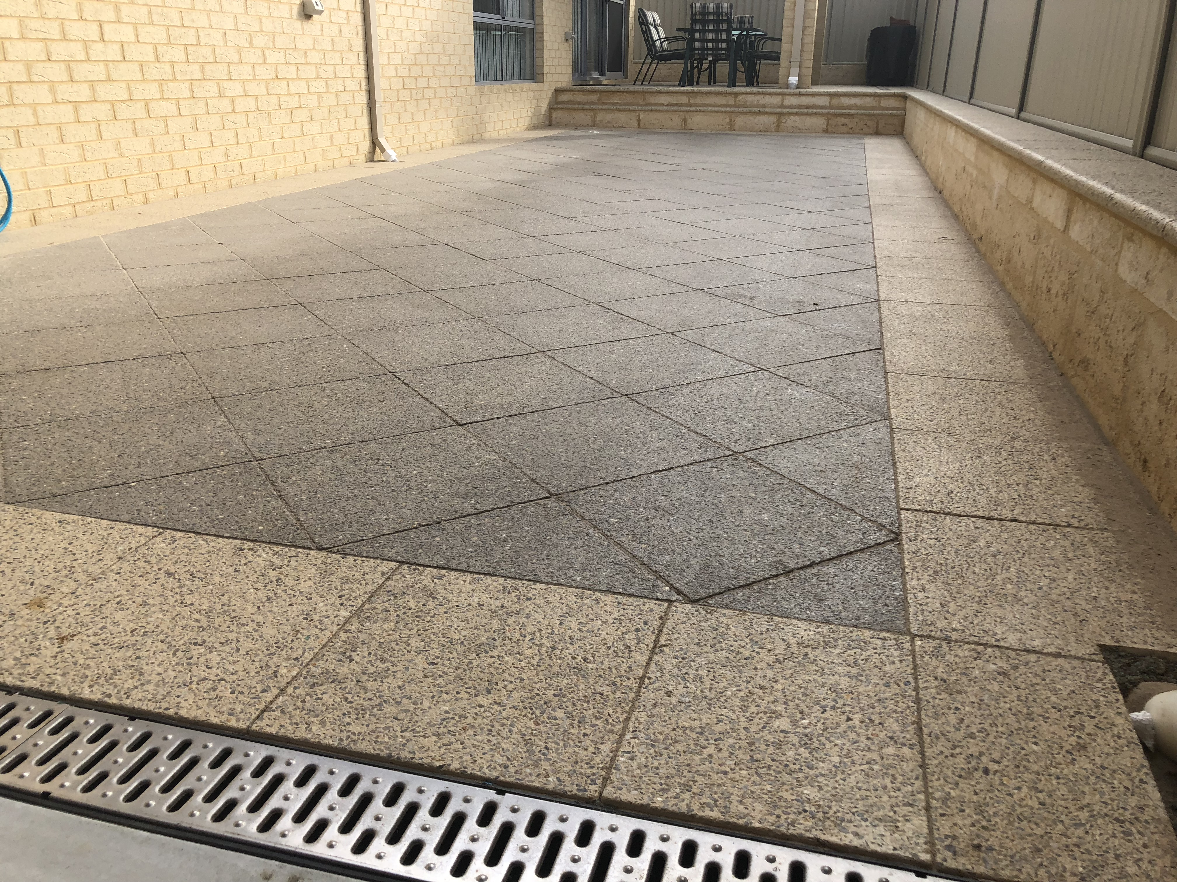 Exposed aggregiate paving