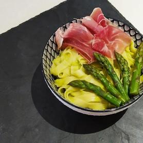 Tagliatelles sauce asperges et jambon it