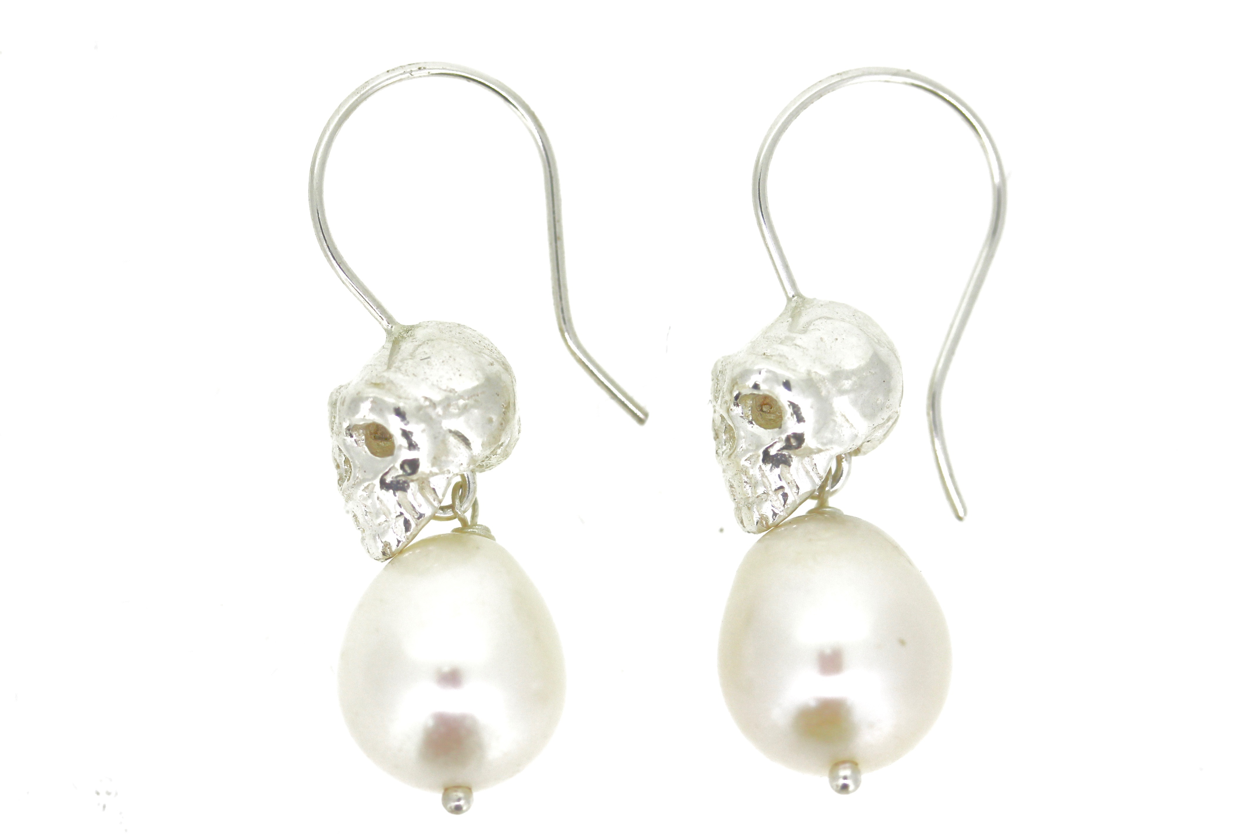 skull & Pearl earrings