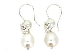 skull & Pearl earrings
