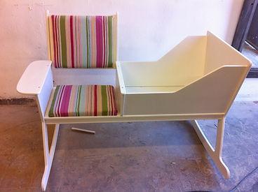 סט שולחן קפה ו-3 כיסאות / שרפרפים שמכינים החניכים בקורס למתקדמים - חיבור מרוכב, זכר ונקבה