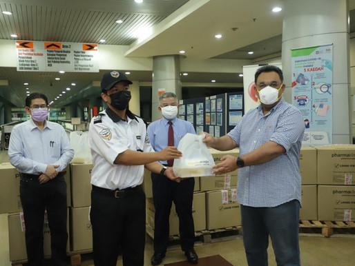 25,500 pek makanan disumbangkan kepada Petugas Kesihatan