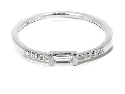 18ct Yellow gold baguette cut diamond stackable band