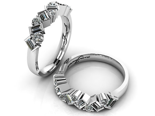 18ct White gold baguettes and round brilliant diamond ring
