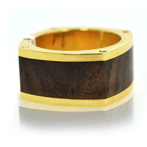 18ct gold with wood design gents ring