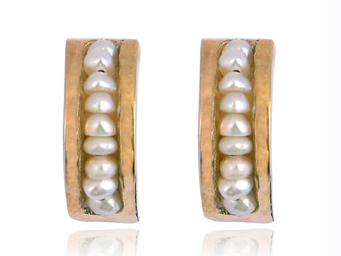Israel designer earrings in yellow gold and pearls