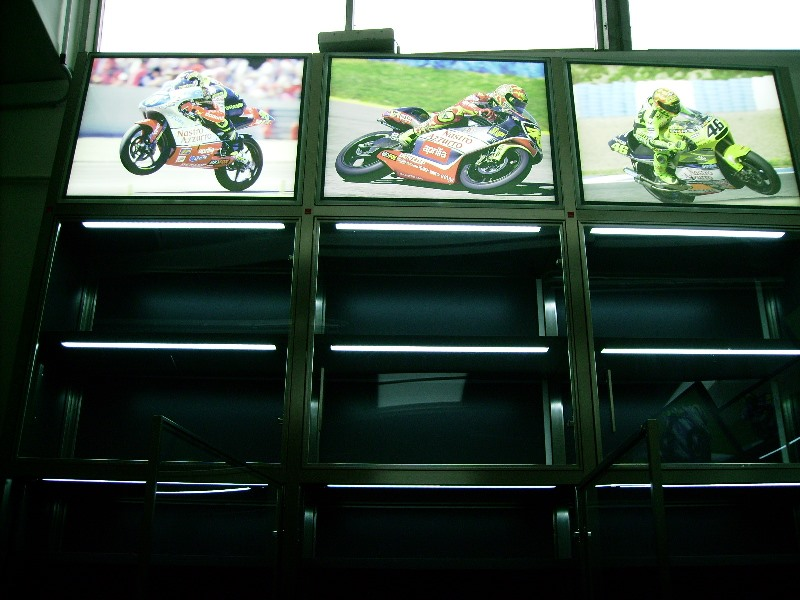 SHOWROOM VALENTINO ROSSI-2