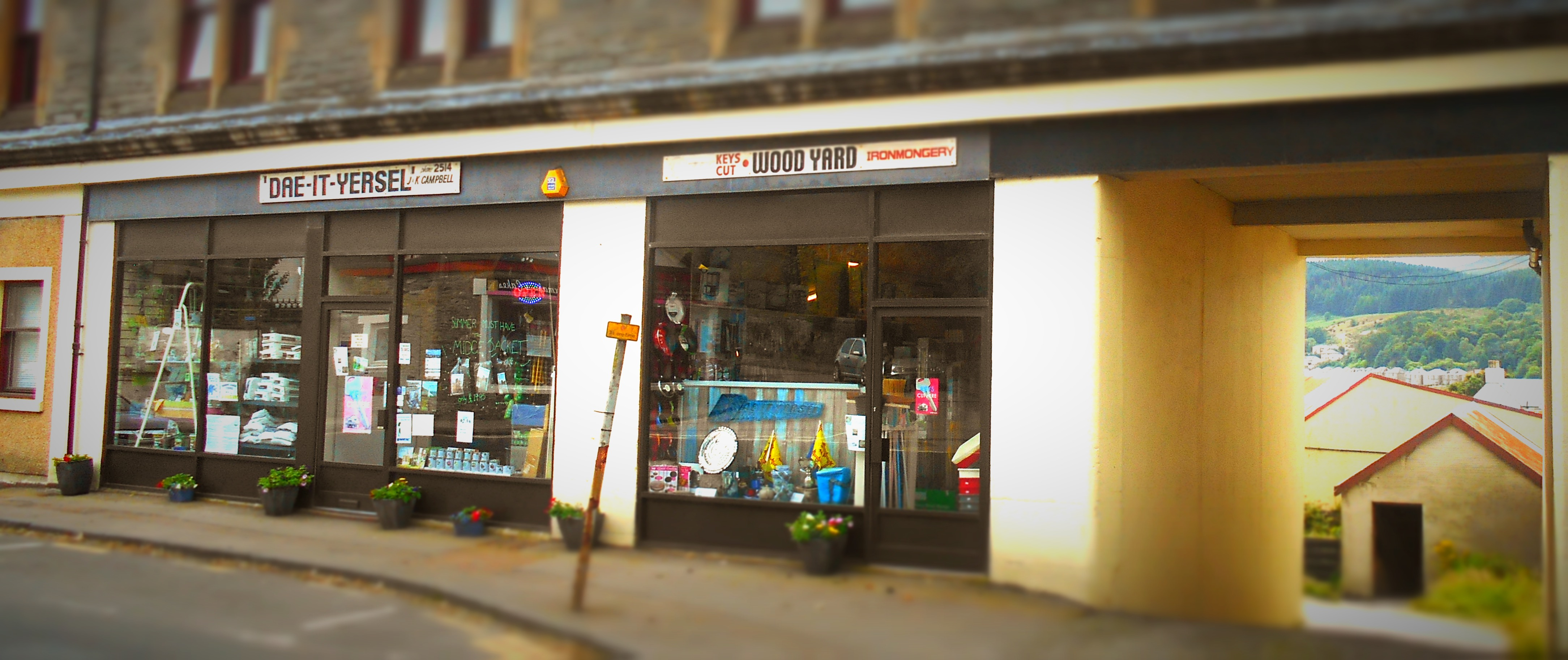 Hardware store Dunoon